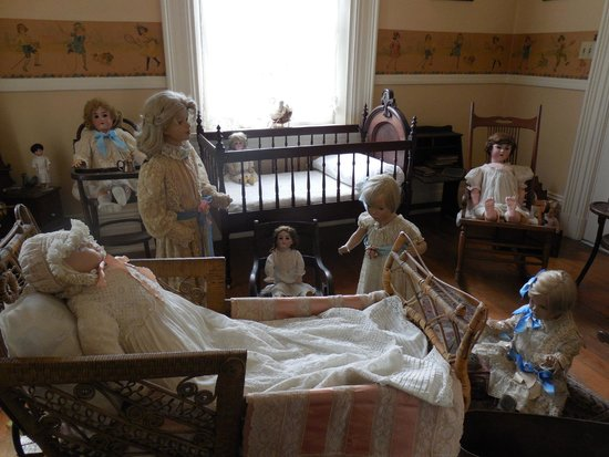 Woodruff-Fontaine House : Child's nursery