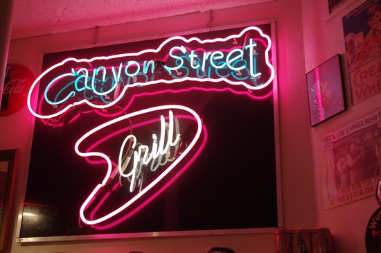Canyon Street Grill : bord