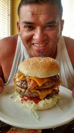 Bernie & The Boys Bistro: Double Burger