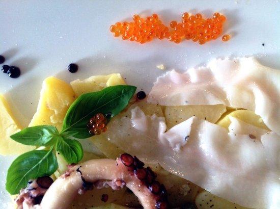 DaVinci Restaurant Nai Harn: Octopus with lardo and caviar trouts