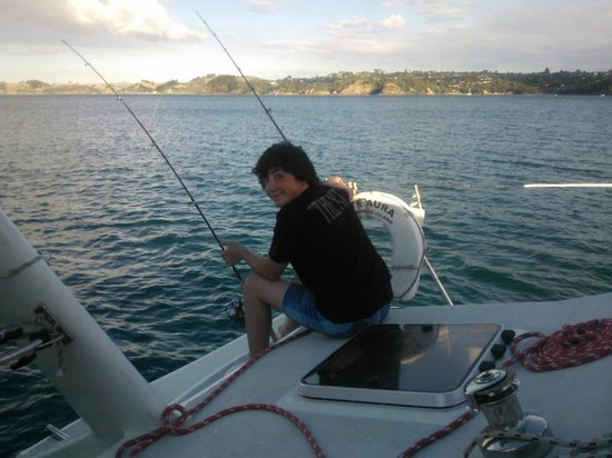 Waiheke Island, Nya Zeeland: Nacho - our Chilean student waiting for the big one