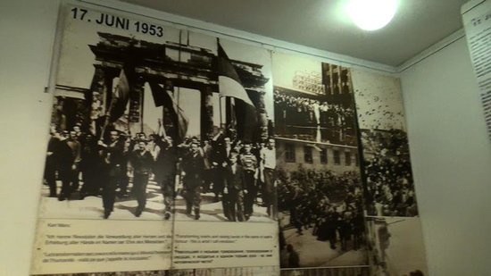 Berlin Wall Museum (Museum Haus am Checkpoint Charlie): East Germany 17 June 1953