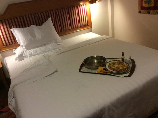 Sunway Hotel Phnom Penh: If you are late for dinner,Place an order at room service.