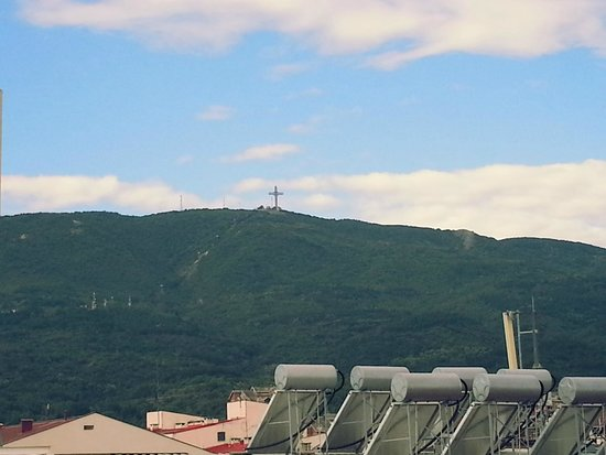 Hotel Glam: Cross on the mountain Vodno