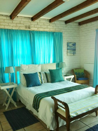 Big Blue Beach Lodge: Room 4