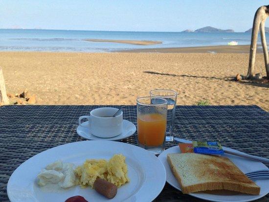 Luwansa Beach Resort: Breakfast