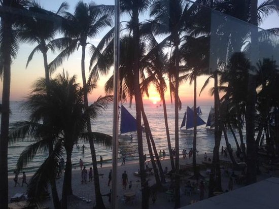 The District Boracay: Sunset View from The Disctric