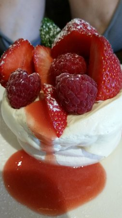 Rocpool Restaurant : perfect pavlova