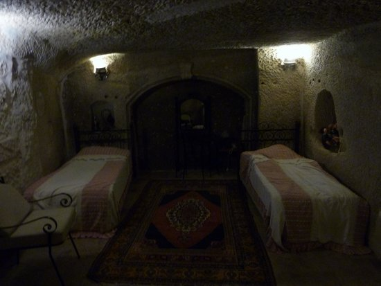 Divan Cave House: cave roomです