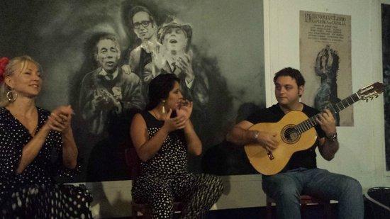 La Carbonería: Trio Flamenco : guitare, voix, danse