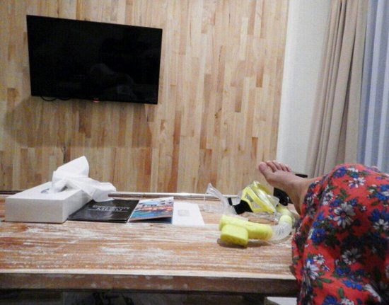 Pandawa All Suite Hotel: Relaxed and laid on sofa