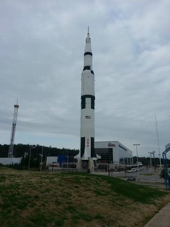 U.S. Space and Rocket Center: Wehrner von Braun's mighty Saturn V that took us to the moon