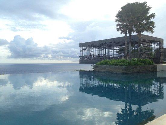 Alila Villas Uluwatu: Main Pool & Sunset Cabana