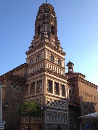 Poble Espanyol: Église