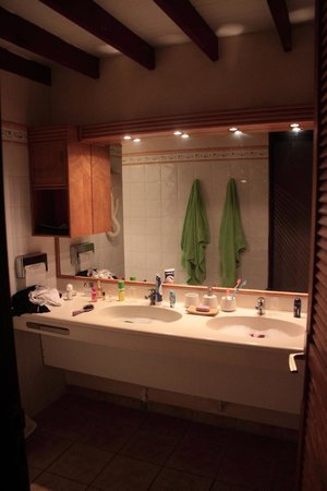 Le Rayon Vert: Lavabos de la salle de bain