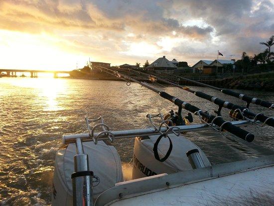 Bagout Tuna Fishing Charters: Sunset at Carrum