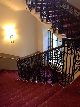 Hotel Imperiale: Лестница также стилизована