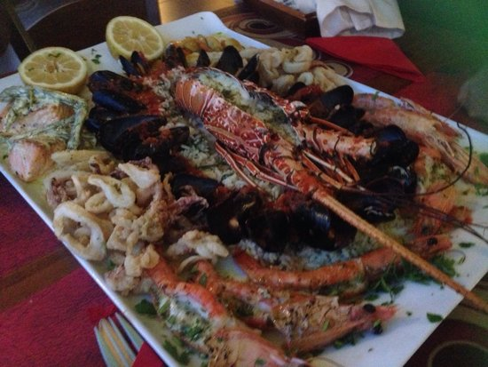 King Prawn : Deluxe seafood platter 70 euro 
