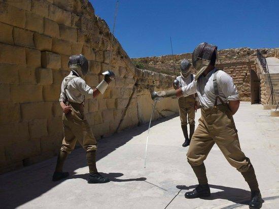 Fort Rinella: Sword fighting display