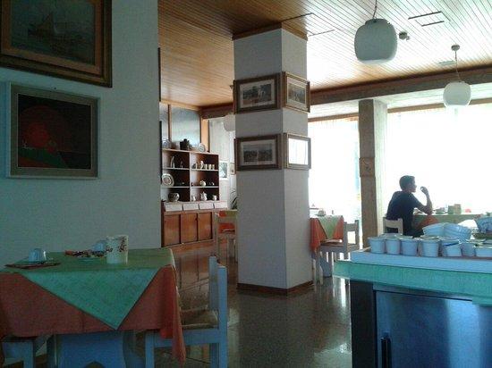 Hotel Brasilia: Parte della sala colazioni