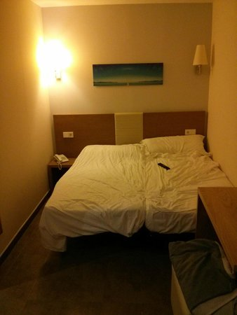 Hotel Don Pepe: Room: beds
