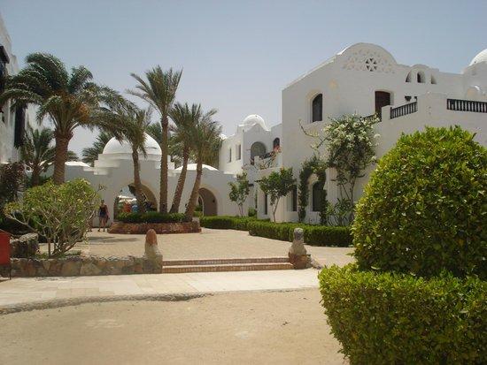 Arabella Azur Resort : Weg vom Relaxpool zum Strand