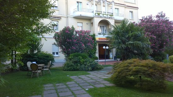 Hotel Benaco : The main entrance