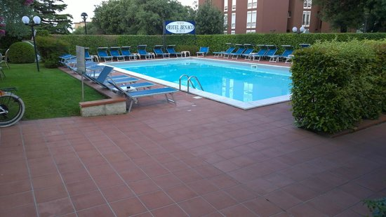 Hotel Benaco : Pool area