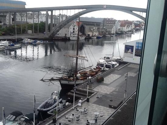Scandic Maritim: Utsikt over Smedasundet fra hotellet