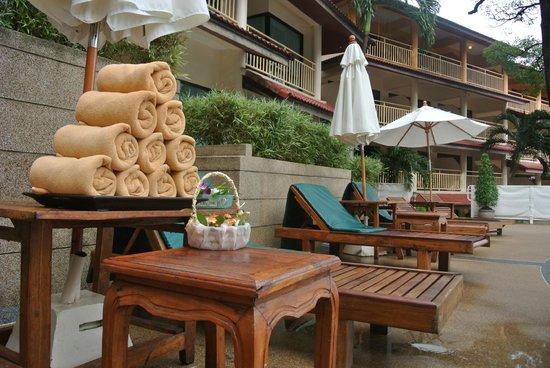 Chanalai Flora Resort: Pool area