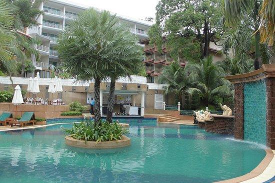 Chanalai Flora Resort : Swimming pool