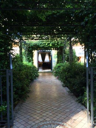 Hotel San Pietro: Lovely entrance