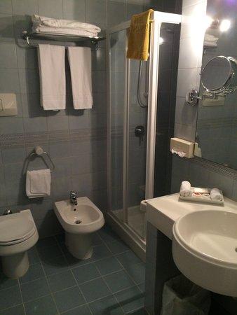 Hotel San Pietro: Bathroom