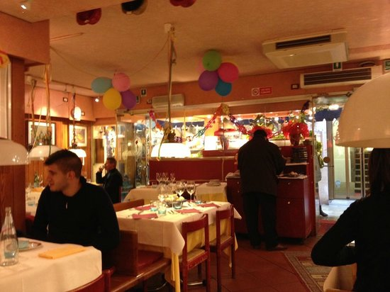 La Gondola : Interno sala ristorante