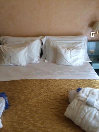 Hotel San Pietro: Bed