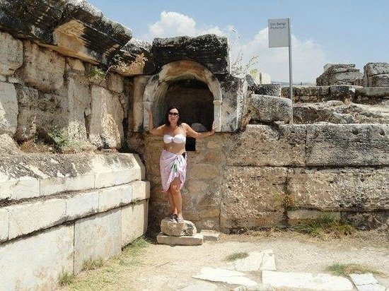 Hierapolis & Pamukkale : Иераполис