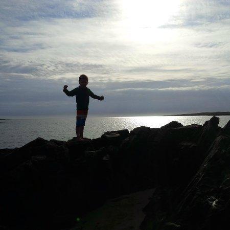 Clifden ecoBeach Camping & Caravanning Park: Actons