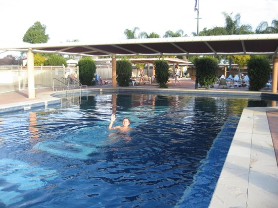 The cooler swimming pool - Picture of Gwydir Thermal Pools ...