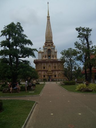 Wat Chalong : ด้านบทเป็นพระธาตุค่ะ