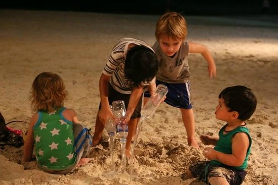 Nigi Nigi Too Beach Resort: Nigi Nigi Too kid friendly beachfront Boracay resort