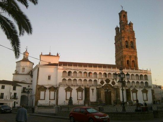 Llerena, ciudad para vivirla: Iglesia de Nuestra Señora de la Granada. Llerena.
