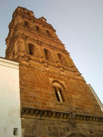 Llerena, ciudad para vivirla: Detalle de la Torre de la Iglesia de Nuestra Señora de la Granada.