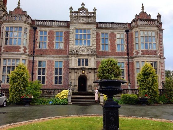 Crewe Hall : Beautiful location and grounds!