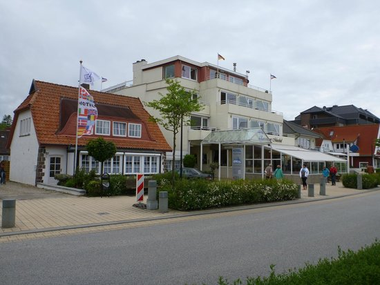 Hotel Maris: Outside view