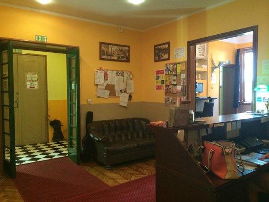 Hostel Skadarlija Sunrise: reception
