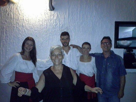 Taverna Tripa: ballerini di sirtaki
