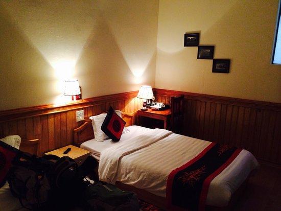 Elysian Sapa Hotel: My room! No window or aircon or fan though...