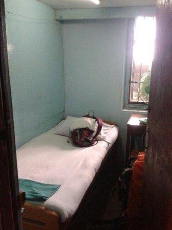 Breeze Guest House : Tiny single room