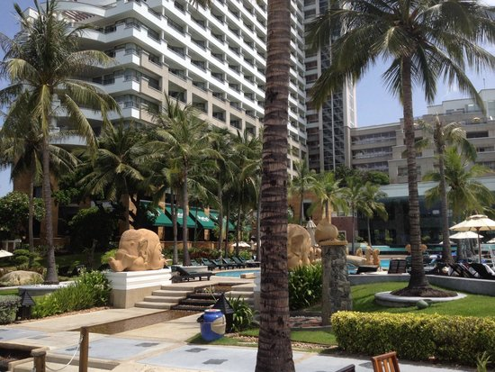 Hilton Hua Hin Resort & Spa : View from beachside bar 2