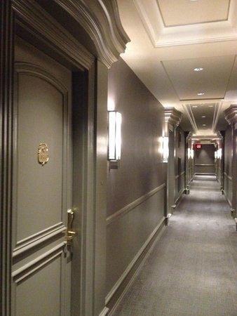 Carlton Hotel, Autograph Collection: Corridoi